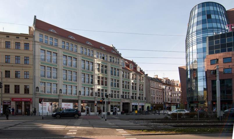 Lokal handlowo-usługowy - 190 m2 - Pasaż Pokoyhof